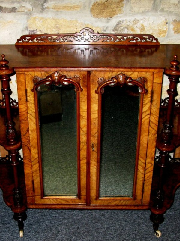 Victorian burr walnut low side cabinet/whatnot